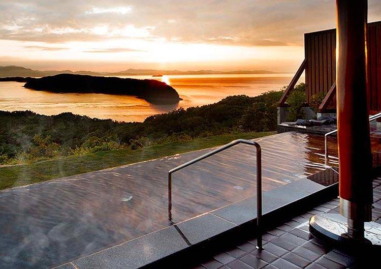 海を望む絶景が自慢のお風呂で、ゆったりほっこり加太の旅
