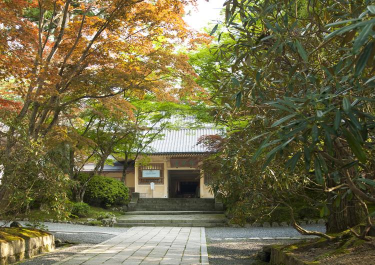 高野山霊宝館で国宝の仏像や仏画を見よう!見どころとおすすめの展示品