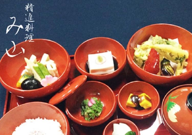 高野山で精進料理を楽しめるおすすめのお店と宿坊