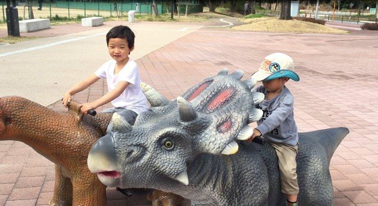 わくわく恐竜ひろば化石採掘!