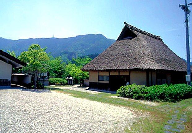 岩湧山/滝畑四十八滝コース(家族向け・中級)