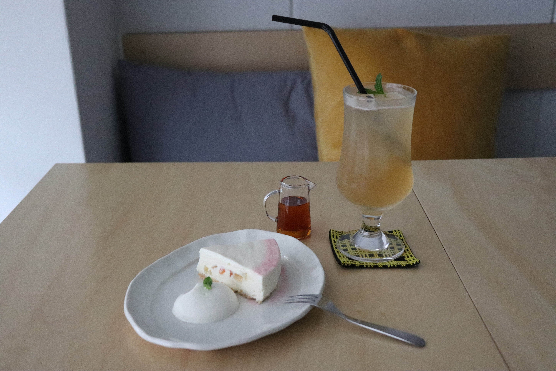 DELI CAFE 102